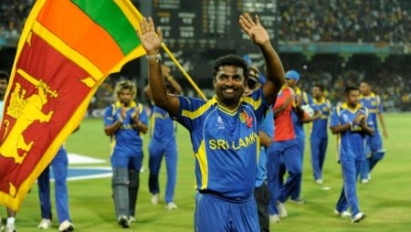 Muttiah Muralitharan: Says He is not impressed with Mickey Arthur's Action
