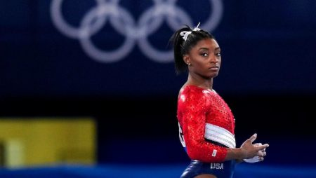 Simone Biles has withdrawn from event finals for vault in Tokyo 2020