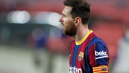 Lionel Messi completes 1st training session with PSG