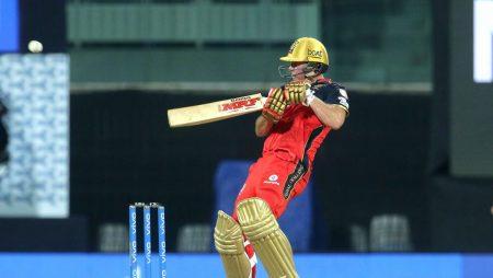 Harshal Patel helps Royal Challengers Bangalore to beat Mumbai Indians in IPL 21