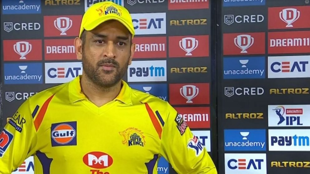 """Aakash Chopra on MS Dhoni """"We all looked like fools in the end"""" in IPL 2021"""