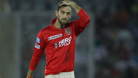 """Brad Hogg on Glenn Maxwell """"He's been given a specific role at RCB"""" in IPL 2021"""